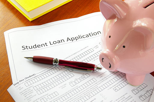 5 Student Loan Mistakes Students Make;
